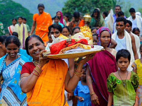 Fête de mariage en route vers le Temple