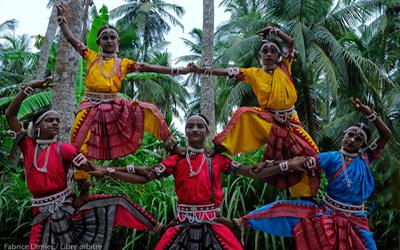 Danse Gotipua dans le village de Raghurajpur