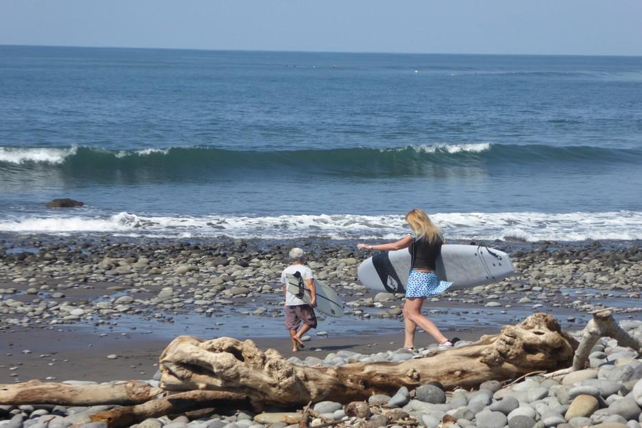 Au Salvador la côte est du Pacifique est un paradis pour surfers . @ C.G.