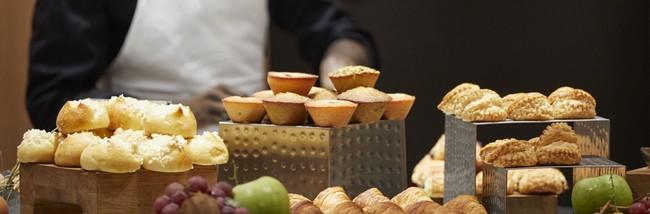 Les petits déjeuners pour les heureux hôtes qui séjournent dans cet hôtel cinq étoiles. @ Cinq Codet