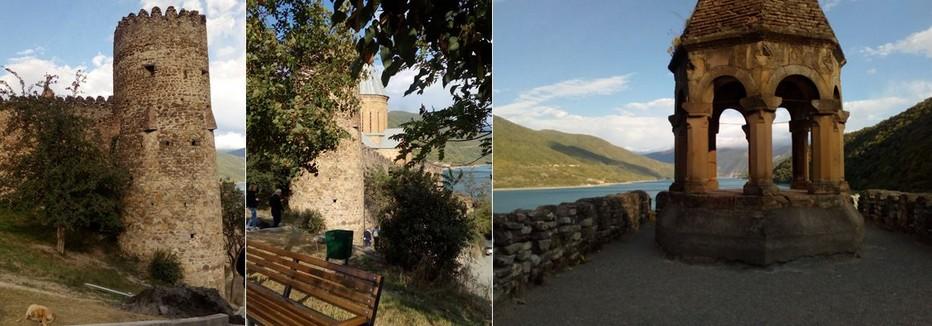 Le  château fort  d'Ananouri posé au bord du lac de Jinvali émerveille autant par son architecture typiquement moyenâgeuse (remparts crénelés, meurtrières, églises décorées) que par son cadre grandiose.@ OT Georgie