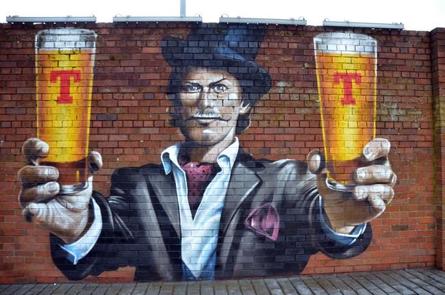 Le street art est rès réputé à Glasgow, ici pour une marque de bière. Crédit photo David Raynal.