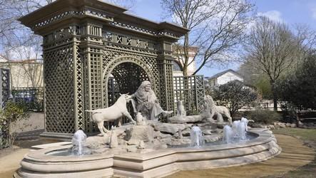 """Le Parc de loisirs du Puy du Fou  inaugure """"Le Monde Imaginaire de La Fontaine"""""""