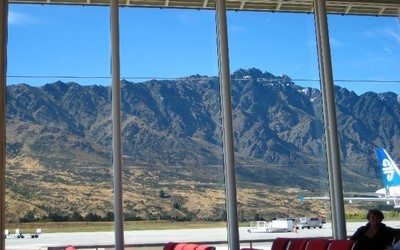 Vue de l'aéroport de Queenstown (Nouvelle-Zélande) (Photo www.traveljournals.net)