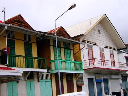 Maisons à Cayenne (Guyane) Photo Fanny Boissand