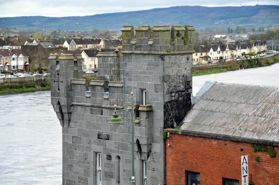 L'imposant château mediéval de Limerick. Crédit David Raynal