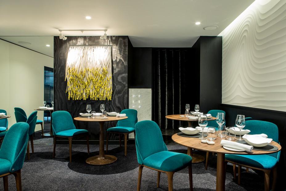 Le décor sobre et lumineux du restaurant Auguste. @ DR