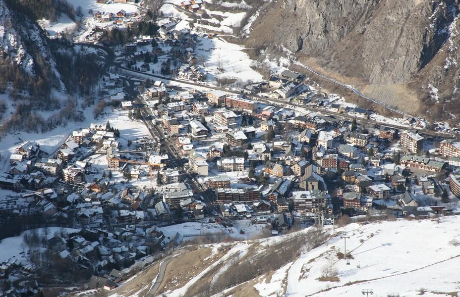 savoureux mélange de chalets en bois et de vieilles maisons alpines, reflète bien l'âme du Vieux Valloire qui a su  conserver son patrimoine intact.Copyright OT Valloire A.Pernet