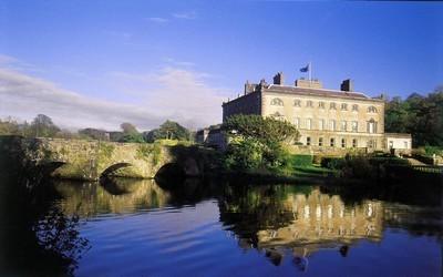 Château de Westport, un manoir XVIIIè siècle de style géorgien dans la baie de Clew.