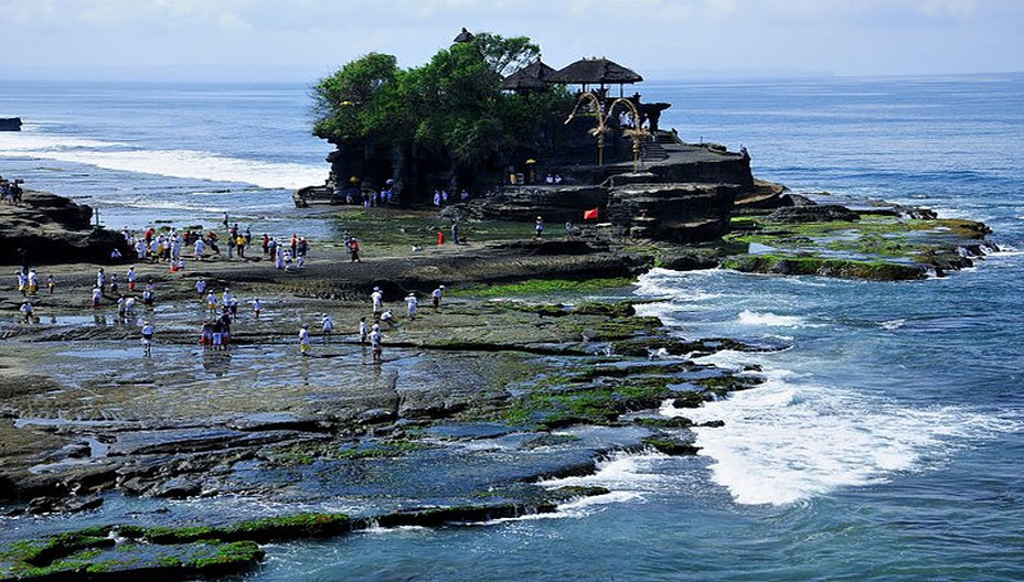 Rendez-vous après le confinement au temple Tanah Lot à Bali  @Wonderfull-Indonesia