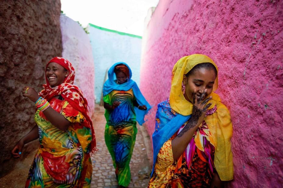 Ethiopie : le sourire des femmes en saris colorés... @ DR