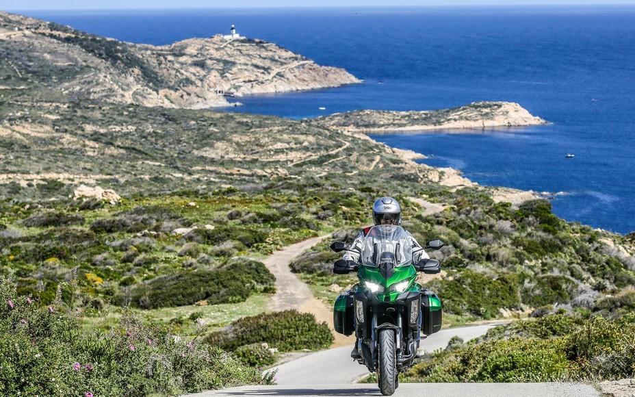 Sur l'un des circuits à moto en Corse @MotoEuropeActive