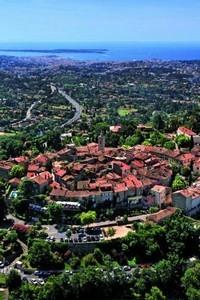 La vieille ville de Mougins (06) sur les hauteurs de Cannes (D.R.)