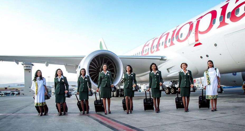 Le personnel de la compagnie aérienne Ethiopian Airlines prêt à accueillir ses voyageurs dans les conditions sanitaires obligatoires.  @ DR