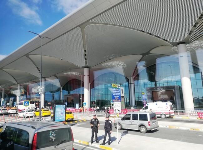 Istanbul Airport « nouvelle plaque tournante du monde » est un aéroport de six pistes, bâti sur 76 millions de mètres carrés et conçu pour accueillir 200 millions de voyageurs chaque année. Crédit photo David Raynal.