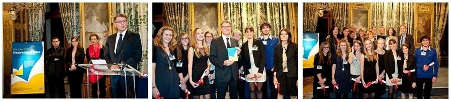 Vincent Peillon entouré des sept lauréates et du lauréat du coucours Clara Nouvelles d'ados (crédit photo editionseho)
