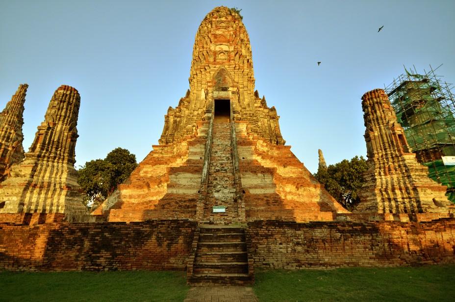 Les vestiges d'Ayutthaya, caractérisés par les prangs, ou tours-reliquaires, et par des monastères aux proportions gigantesques, donnent une idée de sa splendeur passée.@ David Raynal