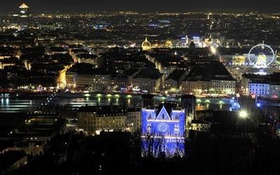 Vue générale de la ville de Lyon sous les lumières (photo  site officiel de la ville)