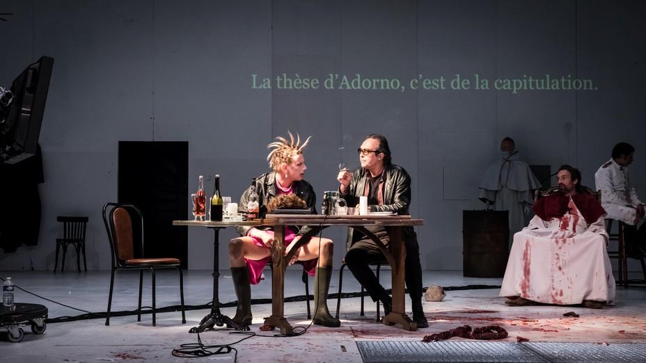 Le Grand Inquisiteur à l'Odéon, théâtre de l'Europe : Penser est fondamentalement coupable selon les mots de Heiner Müller.  @ Théâtre de l'Europe