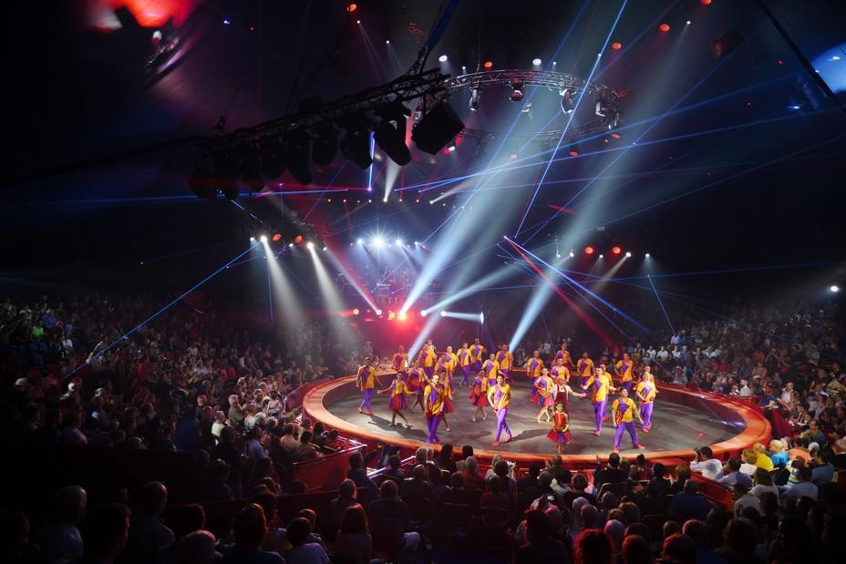 Sous la toiture féérique du « Cirque Arlette Gruss ». ©Fabrice Vallon/Cirque Arlette Gruss