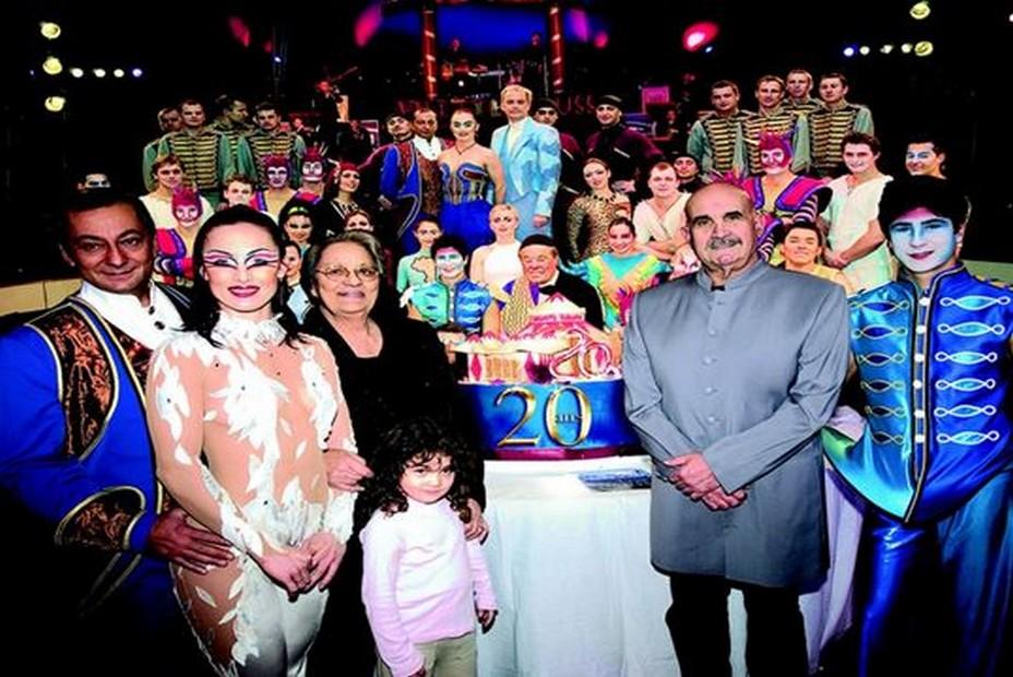 Les « 20 ans » du cirque pour la « grande » famille d'Arlette. ©Fabrice Vallon/Cirque Arlette Gruss