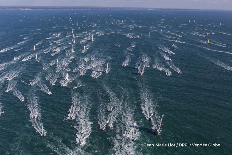 Vendée Globe 2020-2021 : trente-trois marins parés pour l'Everest des mers  @ VG