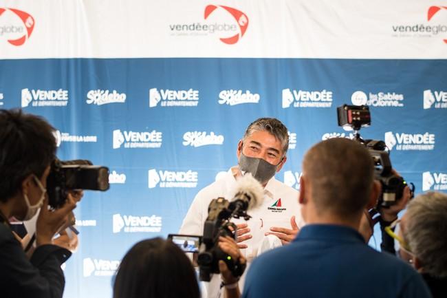 Conférence de presse du Vendée Globe 2020 ici avec le skipper japonais kojiro shiraishi @ VG