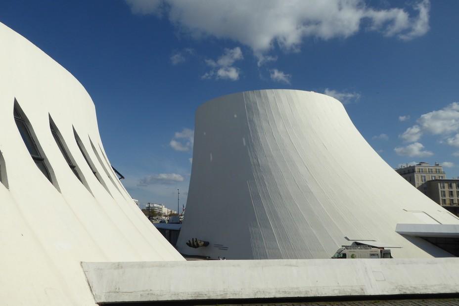 Les Volcans de Oscar Niemeyer @ C. Gary