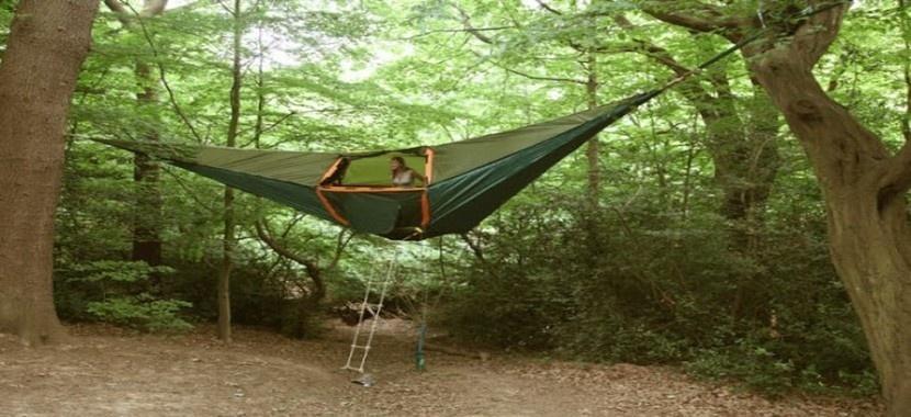 Plus qu'un hamac, une tente pour dormir au milieu des arbres  (Photos www.tentsile.com)
