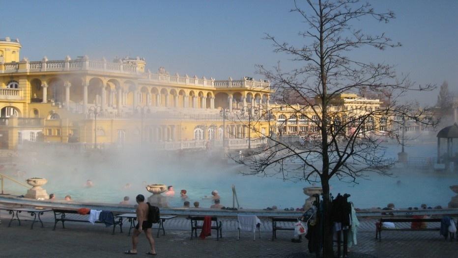 grands bains extérieurs Széchenyi à Pest (photo Catherine Gary)