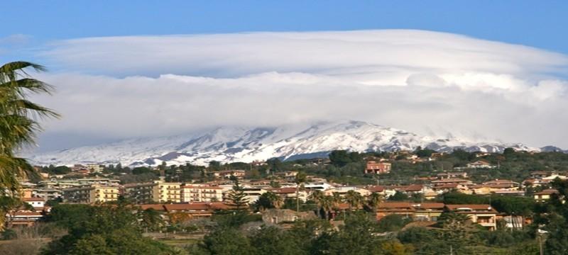 La ville de Catane au pied de l'Etna (Sicile)  ©Patrick Cros