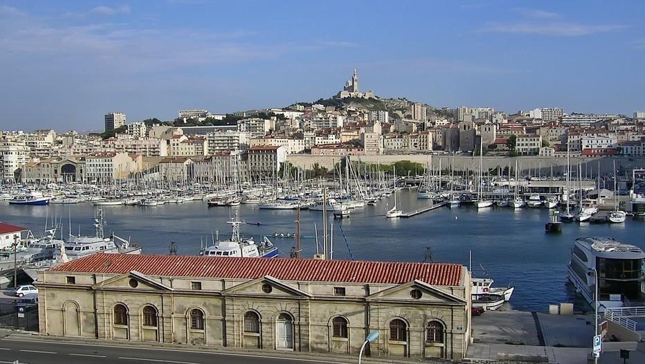 Vue sur le vieux port de Marseille (Photo LD)