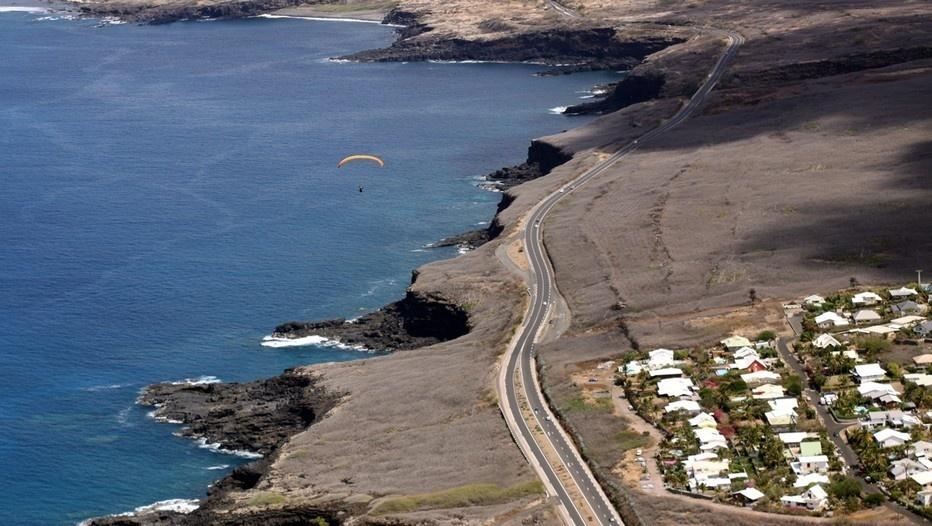 La route du littoral et des plages sur la côte ouest, la plus touristique de l'île. (Crédit photo David Raynal)