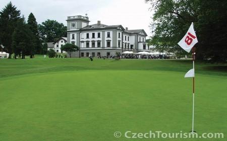 Des tournois de golf prestigieux sont régulièrement organisés en Tchèquie.