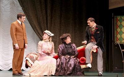 L'Importance d'être sérieux,pièce d'Oscar Wilde dans la nouvelle traduction de Jean-Marie Besset  (Photo LOT)