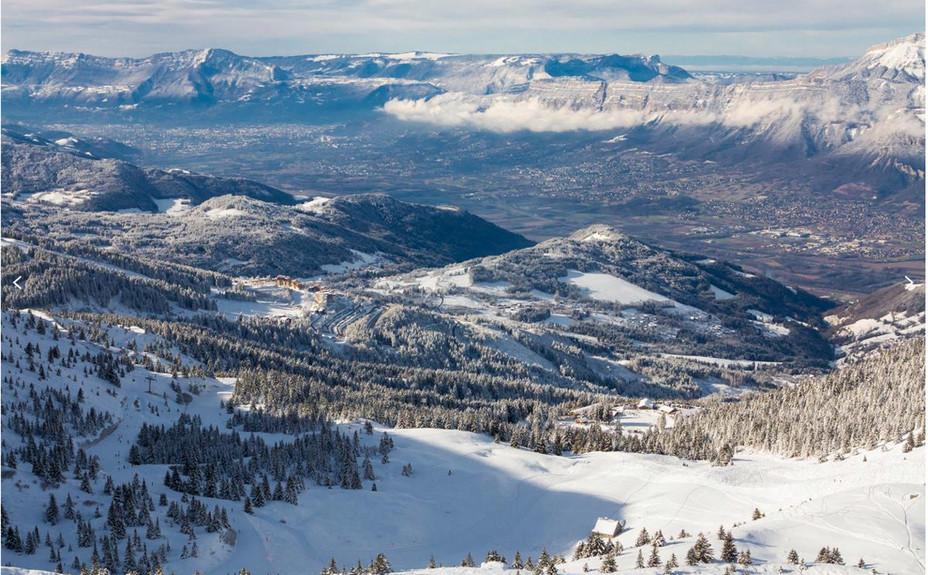 Le département de l'Isère est au cœur des Alpes Françaises, là ou les Alpes du Nord rencontrent celles du Sud.; La station des Sept Laux est à 35km de Grenoble et 50km de Chambéry.@ OT Sept Laux