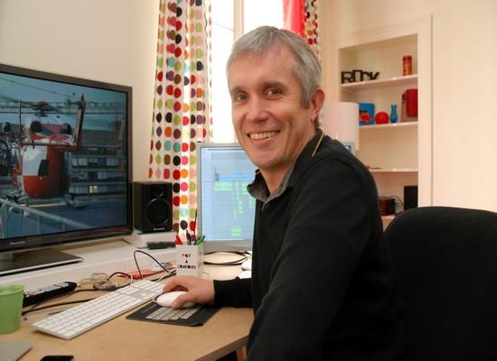 Chef monteur pour le cinéma, Mike Fromentin a travaillé sur de nombreux longs métrages mais également pour des séries et des documentaires à la télévision (Crédit photo : David Raynal)