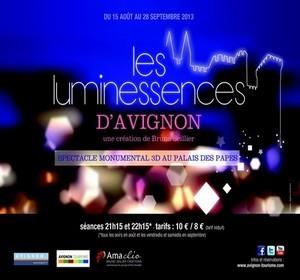Les Luminessences, un spectacle monumental dans la cour du Palais des Papes ©Avignon Tourisme