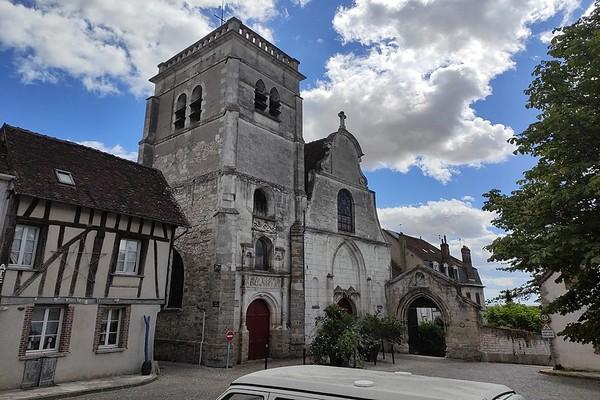 Joigny Eglise Saint-André. @ Wikipédia