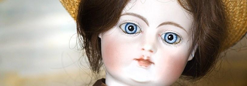 Le Musée de la Poupée a ouvert ses portes en juin 1994, en plein coeur de Paris au fond d'une charmante impasse fleurie (Crédit Photo  : Musée de la poupée)