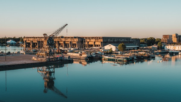 La Base sous-marine©Teddy Verneuil - @lezbroz