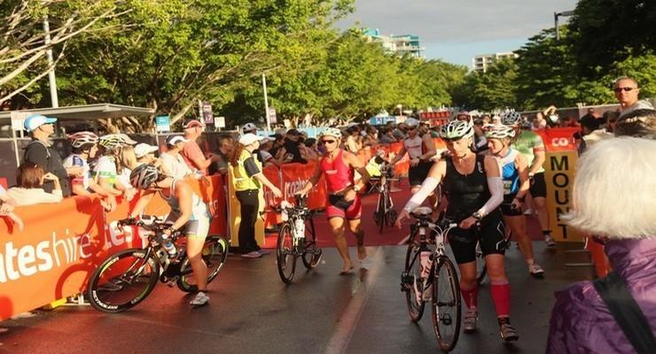L'Esplanade de Cairns, point de départ des cyclistes du triathlon, juste après l'épreuve de natation  ©Patrick Cros