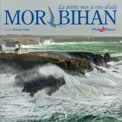 Mor bihan, la petite mer à tire-d'aile, est le douzième beau-livre en collaboration avec le photographe de la mer Philip Plisson.