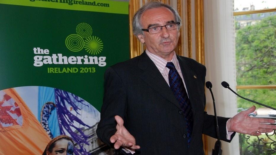 Le 22 mai Patrick Mahé était honoré à Paris par l'ambassadeur d'Irlande Paul Kavanagh pour l'ensemble de son oeuvre autour de la culture gaélique et irlandaise (photo David Raynal)
