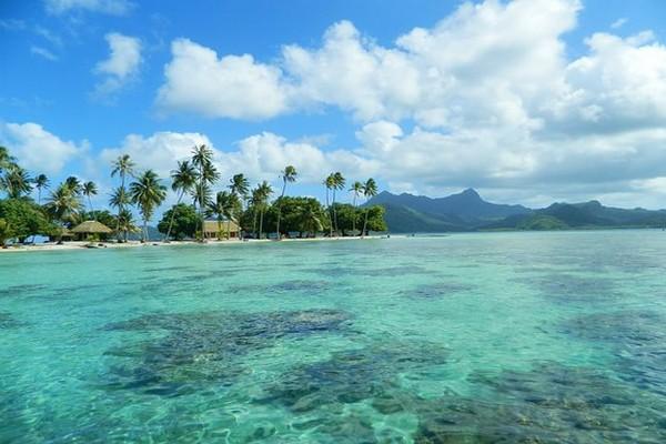 Se baigner  dans  les motus publiques de l'île. @ Wikipedia/Lindigomag