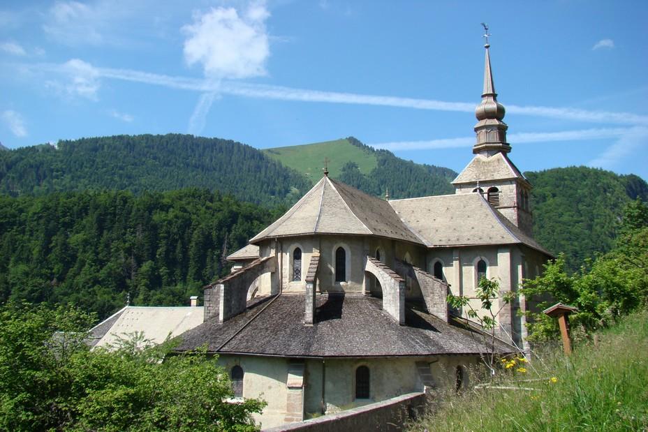 L'abbaye au village d'Abondance ©OT Abondance