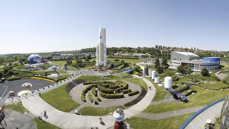 - Vue générale du jardin de la Cité de l'espace ©Cité de l'espace
