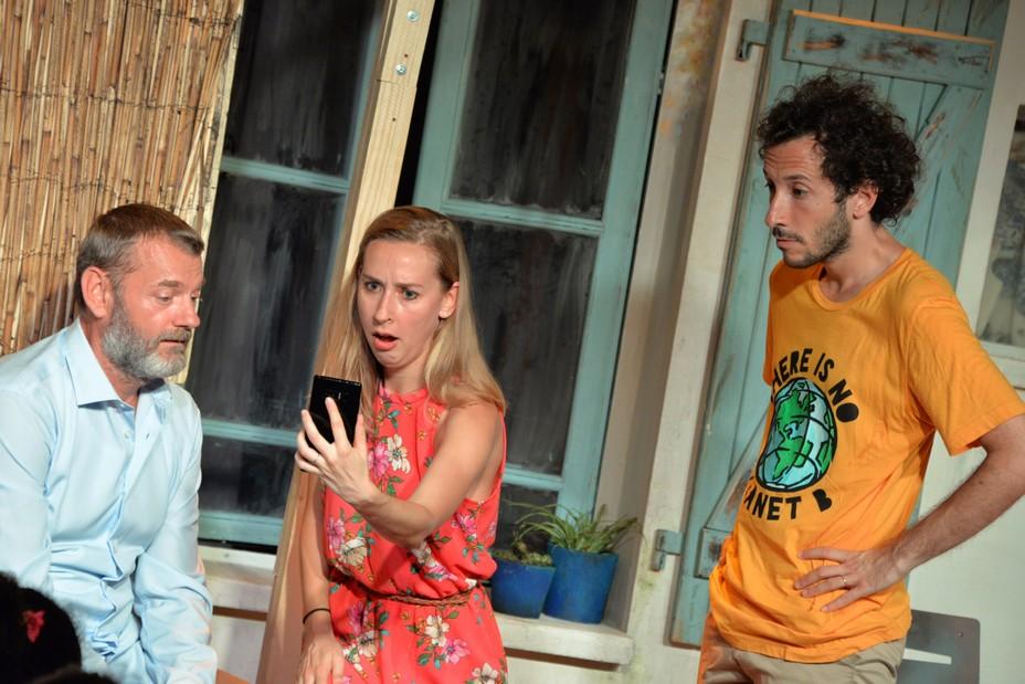 """""""De Quoi je  me mêle"""" au Théâtre Edgar avec Pascal Rocher,Nathalie Tassera,  Joseph Gallet   @ DR"""