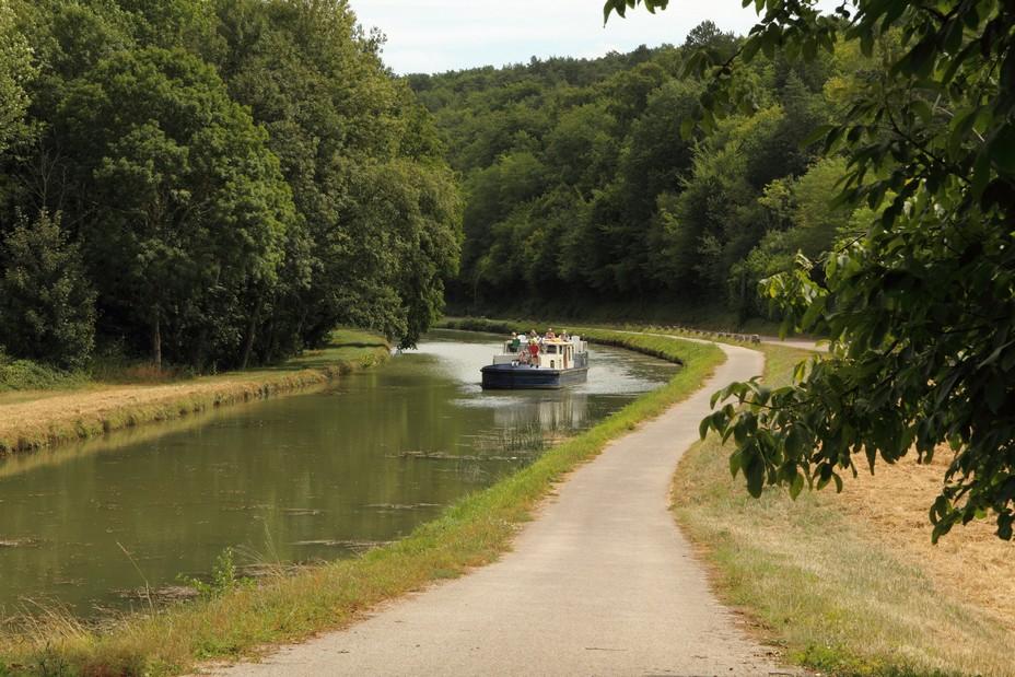 Canal du Nivernais @ Claude Blot