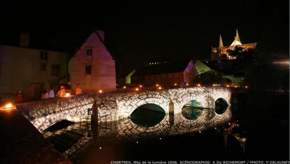 La nuit tombée, l'aventure commence dans le lacis des ruelles médiévales de Chartres (photo F.Delauney) )